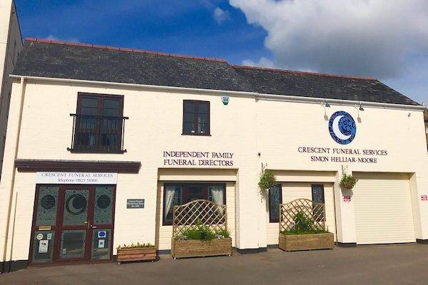 Front-CFS-New Independent Taunton Funeral Director | Crescent Funeral Services